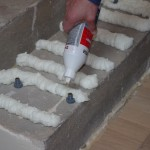 9. Można nałożyć klej na kołek w celu uzyskania lepszego efektu